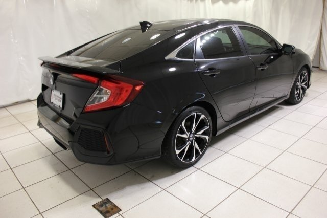 Pre-Owned 2017 Honda Civic Sedan Si