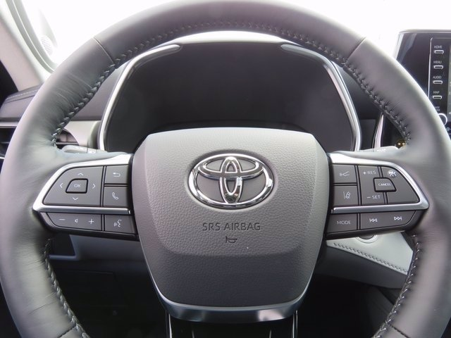New 2020 Toyota Highlander Limited